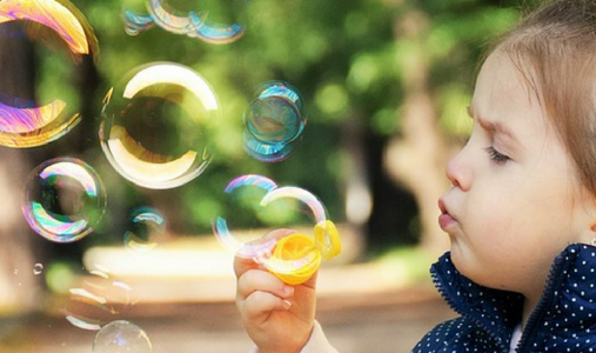kid-and-bubbles